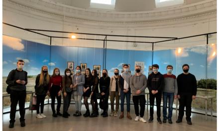 Студенты клуба «Краевед» посетили  выставку «Гости великой стройки»